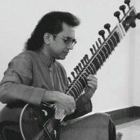 Music:シタールを通して、 より色彩豊かな音楽を  [WAU No.17]